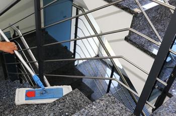 Noblehouse | Service | Reinigung Treppenhäuser